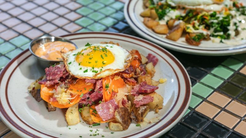 8 Best Brunch and Bottomless Brunch in Chicago, IL
